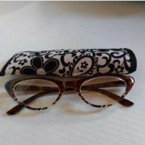 Cat eye reading glasses w/ case strength 1